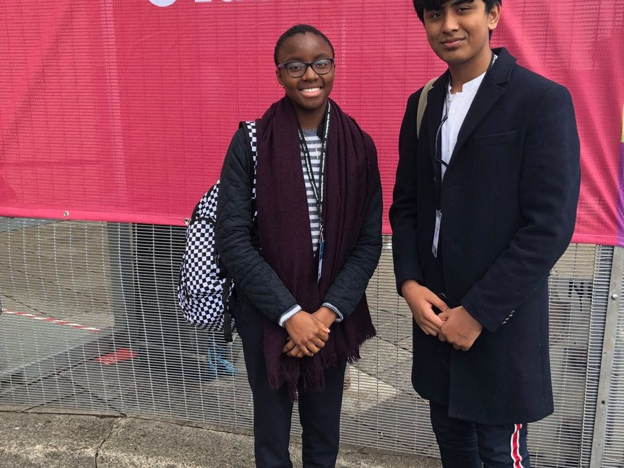 Ayesha and Sami off to #lab19 supported by ⁦@natyouthagency⁩ to debate investing in #youngpeoplepic.twitter.com/8IZqZgKt8m