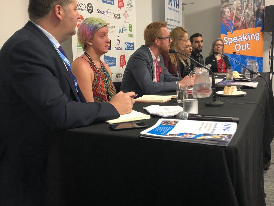 ⁦@lloyd_rm⁩ chairing the #youthzone19 debate on #youthservices with ⁦@CatSmithMP⁩pic.twitter.com/LjiaakAJsS